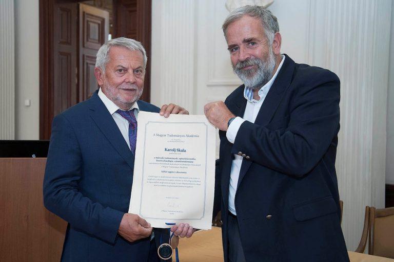 Redoviti član HATZ-a prof Skala je održao predavanje ustoličenja na Mađarskoj Akademiji znanosti